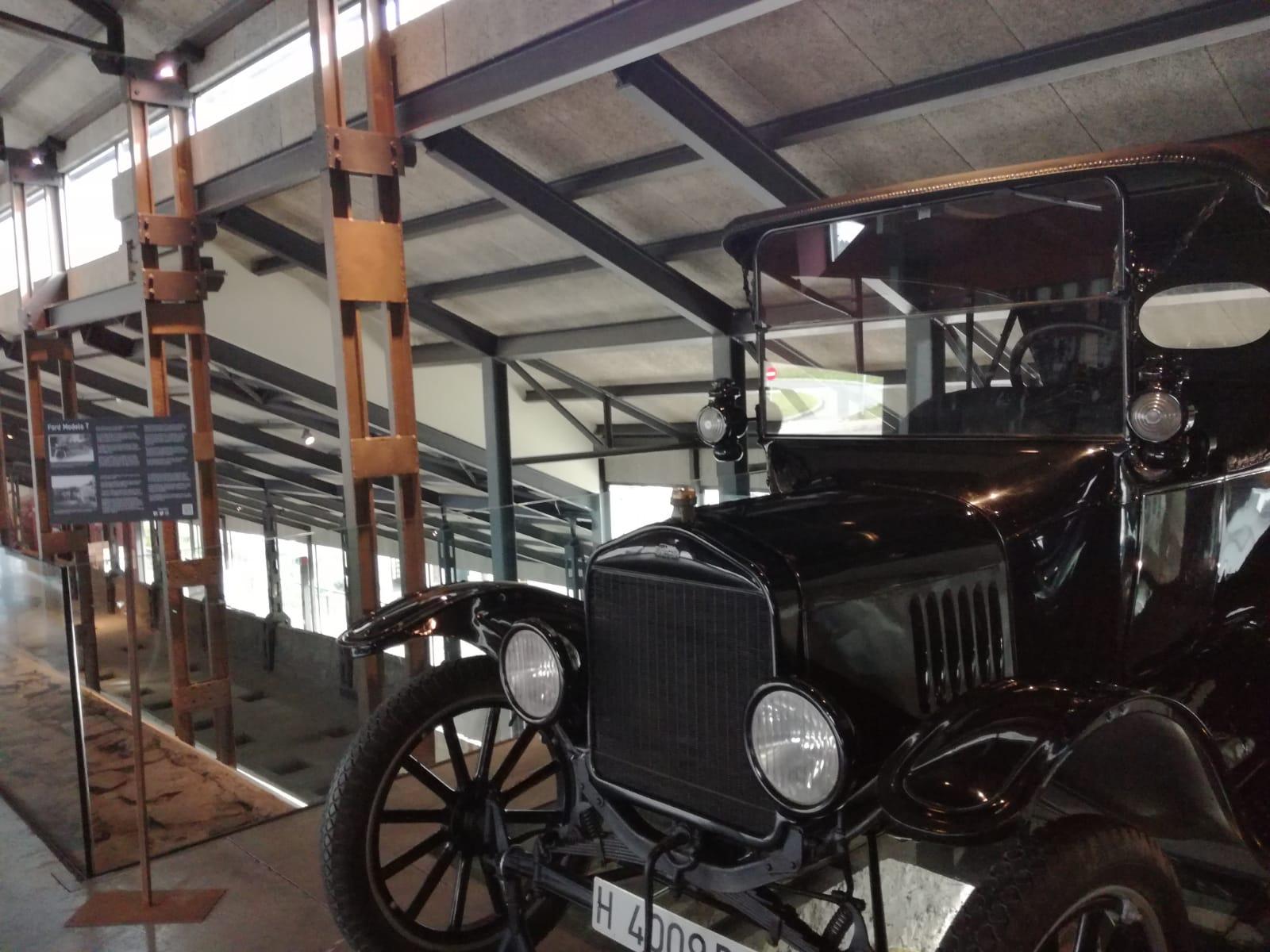 El Ford T del Museo de la Energía viaja temporalmente hasta el MUNCYT de A Coruña 1